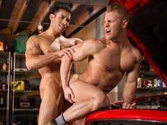 Car mechanics are pleasuring passionate hardcore fuck in garage